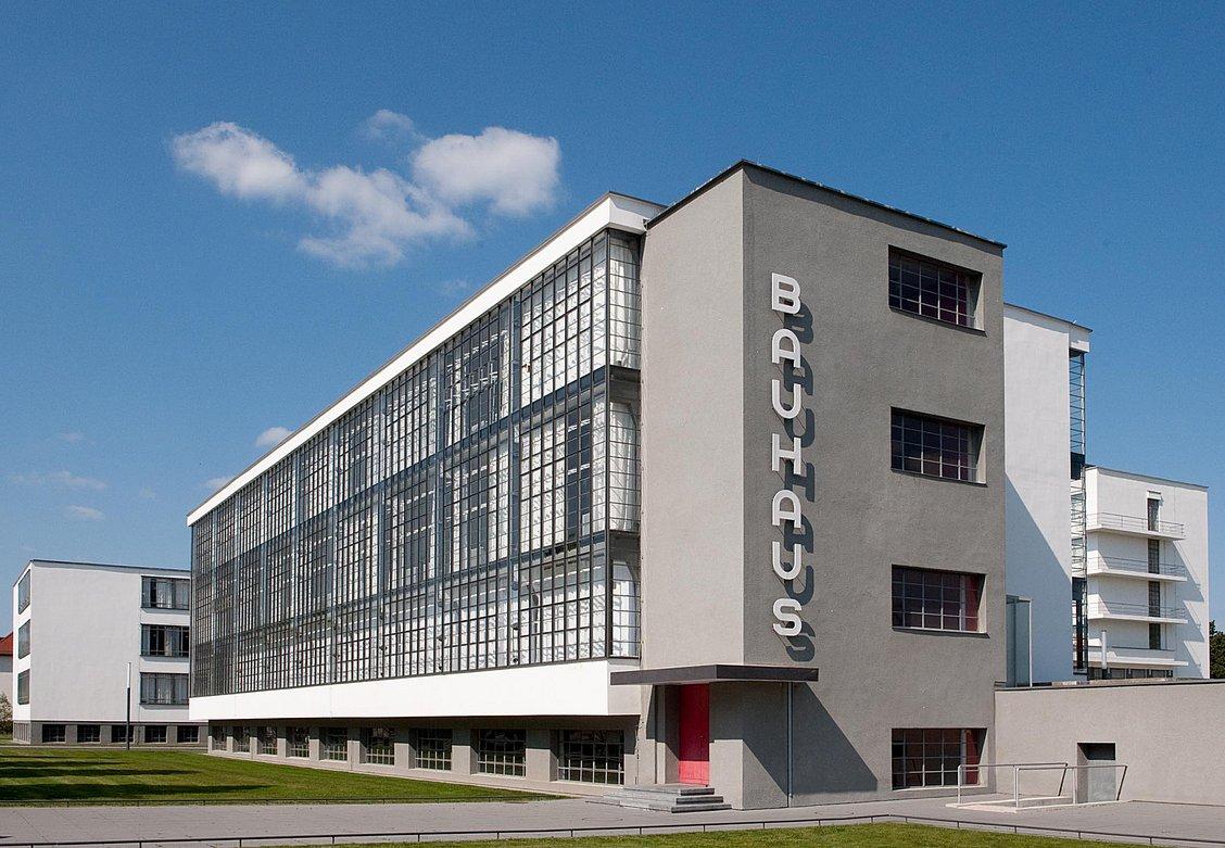 Picture of: Bauhaus 100 Ar Et Produkt Af En Revolutionaer Tid Internationale Socialister